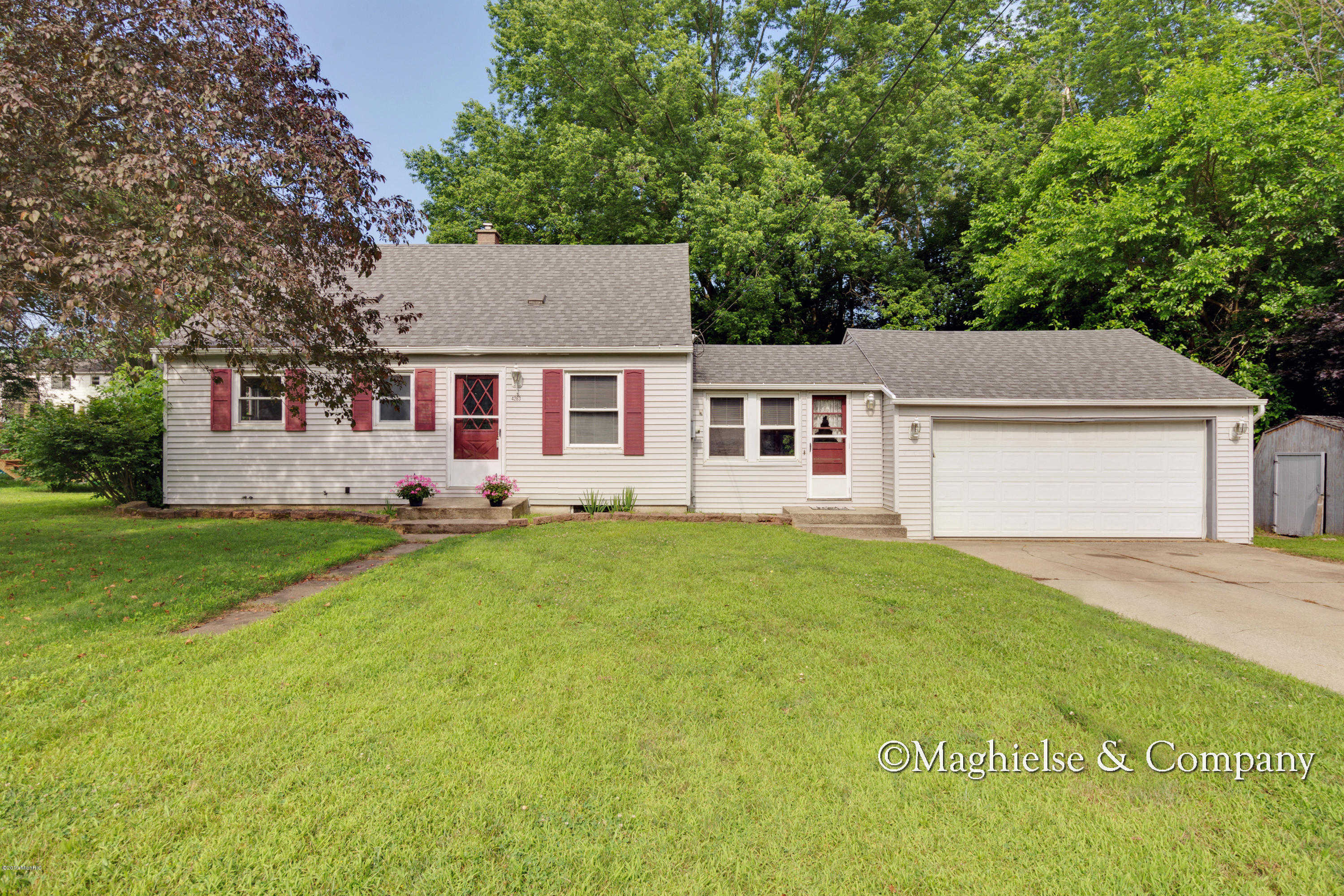 Another Property Sold - 4263 Bell Avenue NE, Grand Rapids, MI 49525