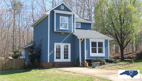 3 Stonehouse Court, Greensboro, NC 27455