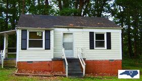 2815 Robin Hood Drive, Greensboro, NC 27408