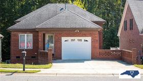 660 Dobson Court, Kernersville, NC 27284