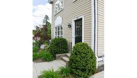 231 Boston Post Road #2nd flr, Wayland, MA 01778