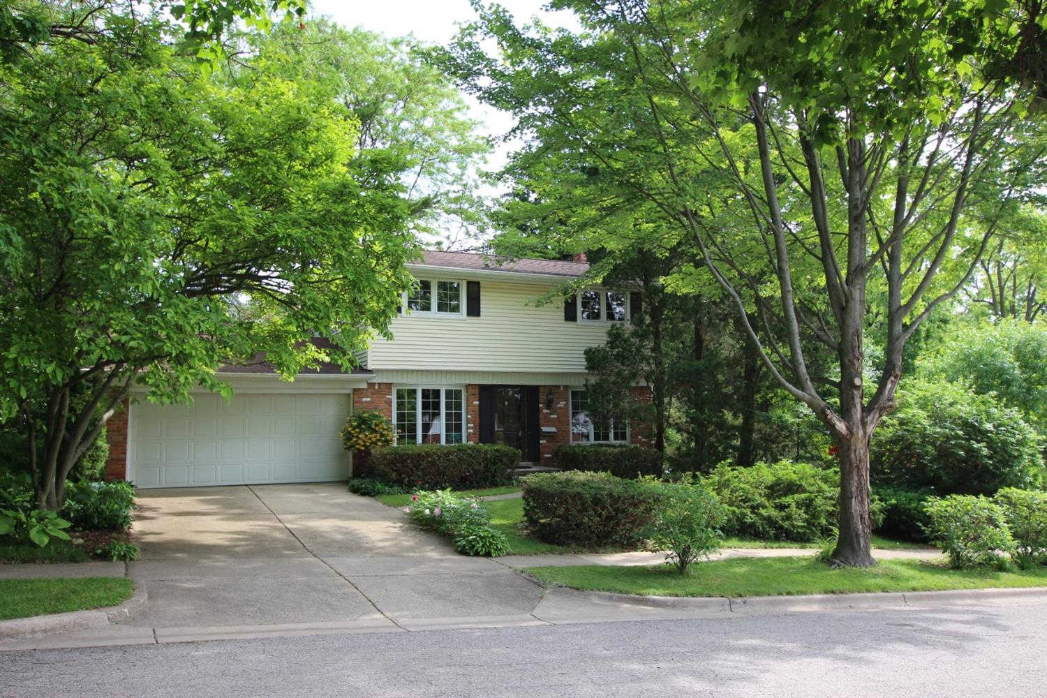 9 Lois Court, Ann Arbor, MI 48103 now has a new price of $350,000!