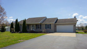 3943 Weatherby CT, Stockbridge, MI 49285