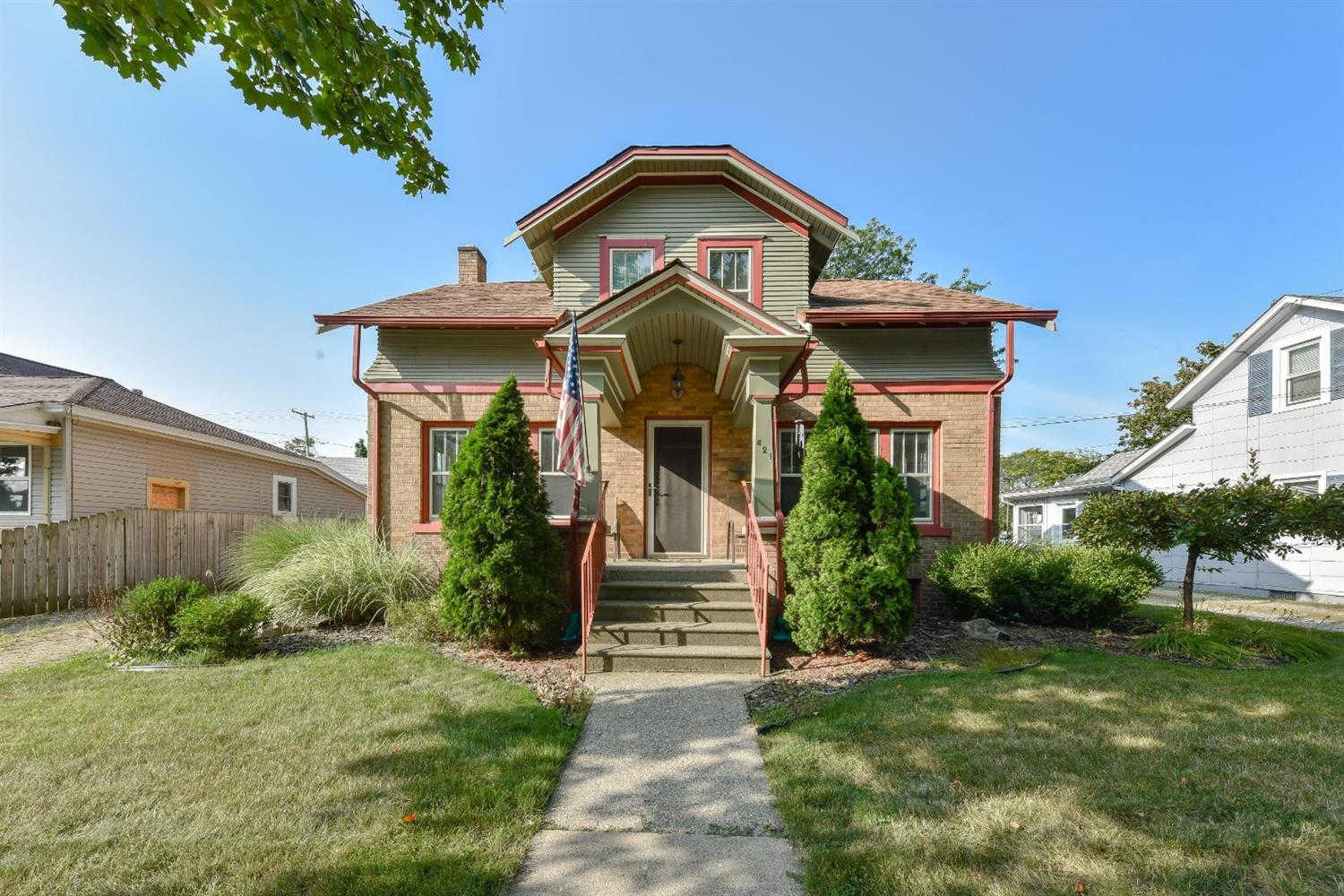 421 E Clinton Street, Howell, MI 48843 is now new to the market!
