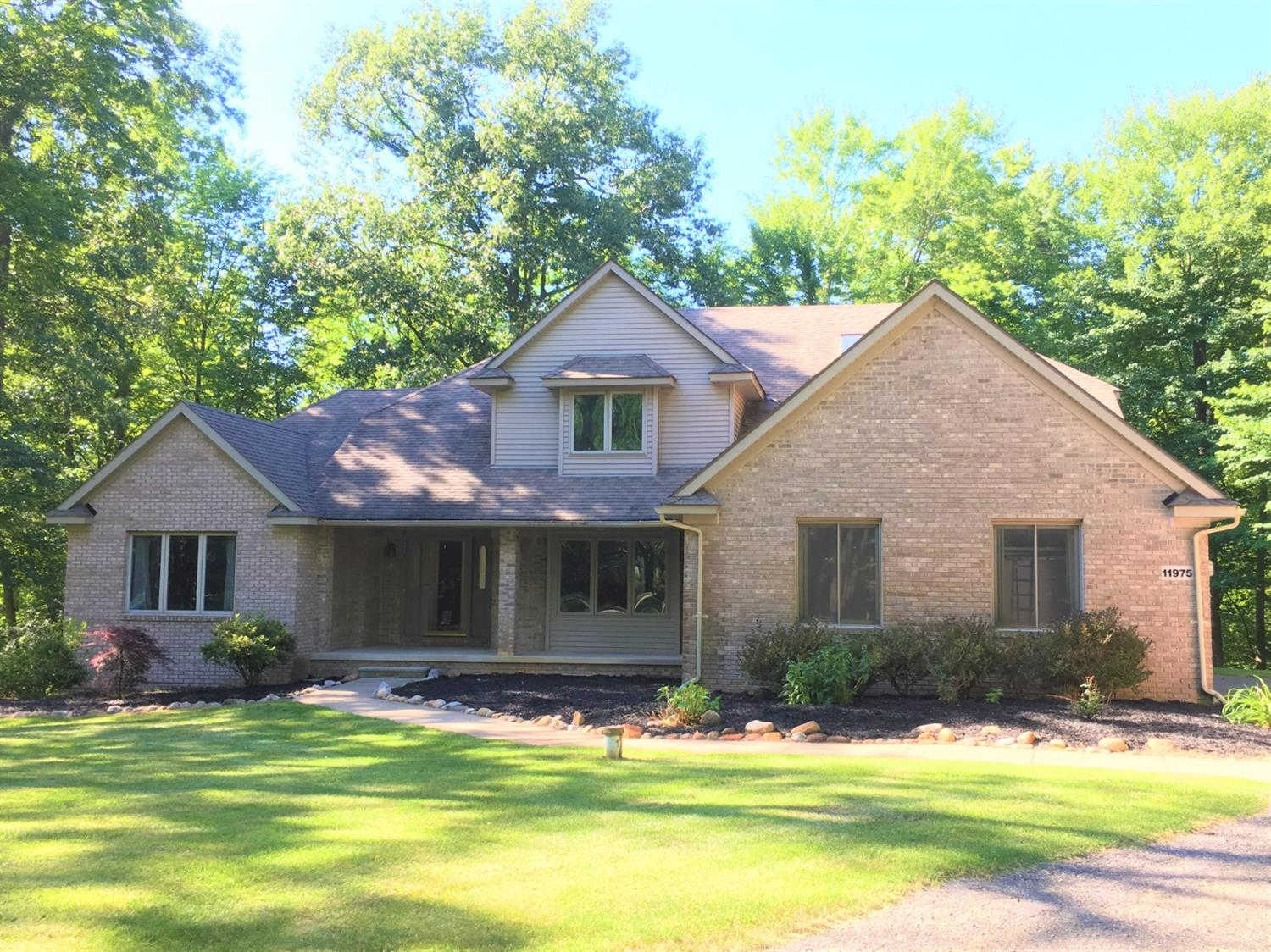 11975 Cody Creek Court, South Lyon, MI 48178 is now new to the market!