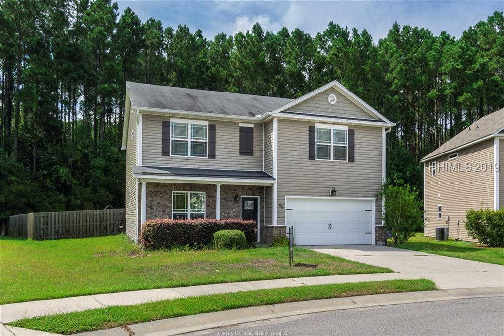 42 E Park Loop, Bluffton, SC 29910 is now new to the market!