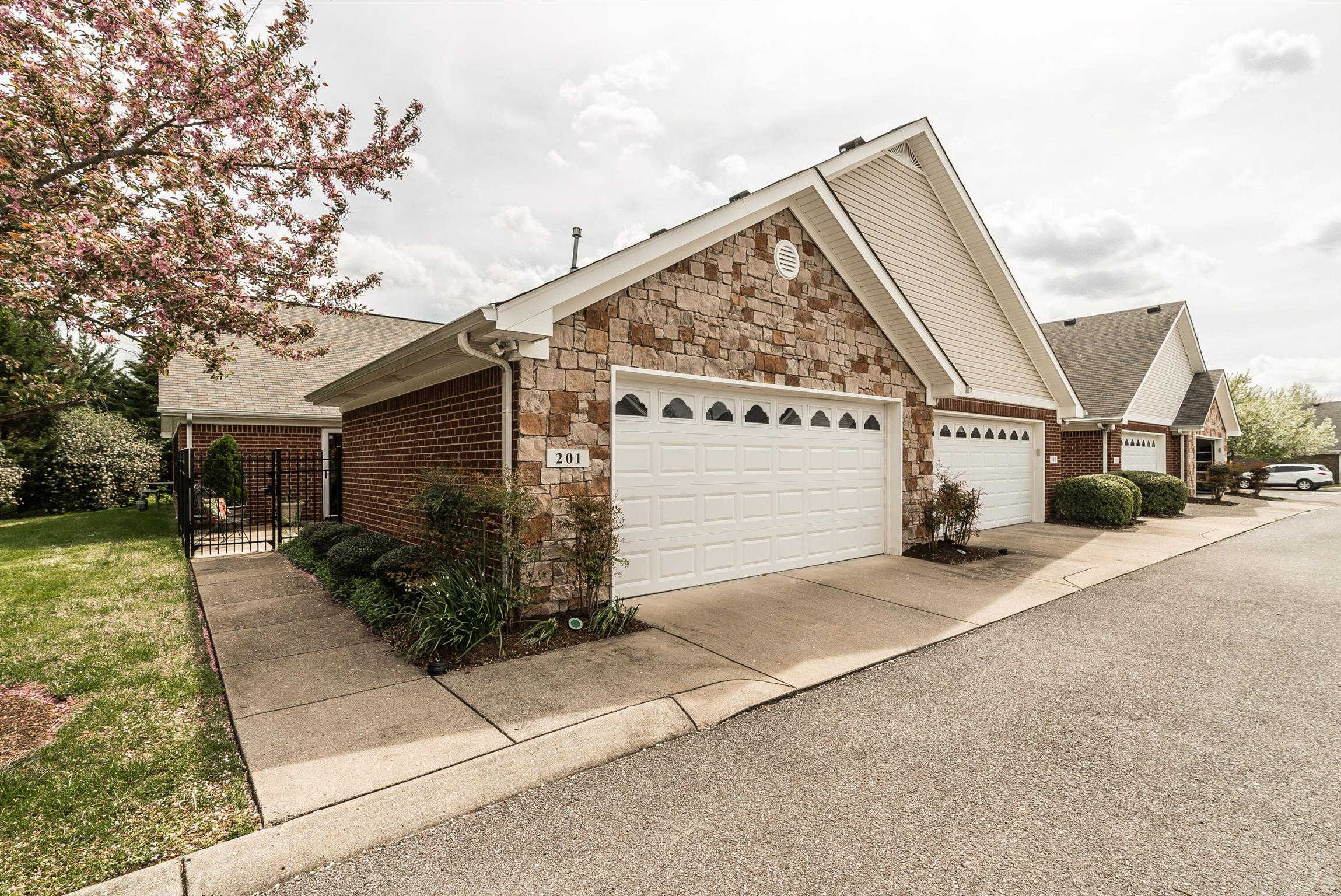 Another Property Sold - 816 Lock 4 Rd Unit 201, Gallatin, TN 37066