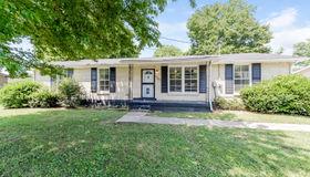 4101 Meadow Hill Dr, Nashville, TN 37218