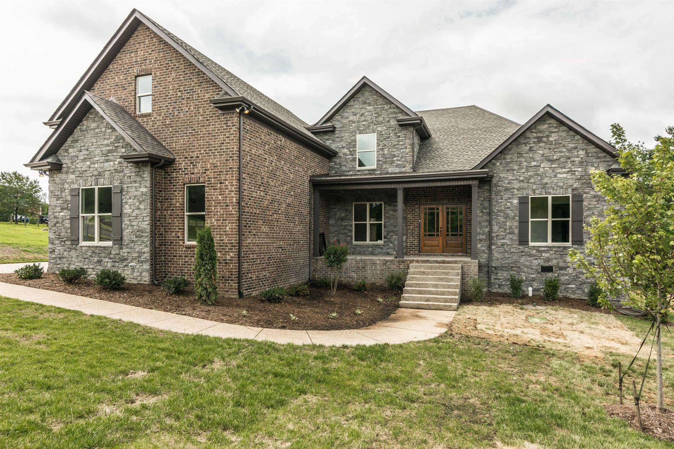 2010 Eagle View Rd, Hendersonville, TN 37075 is now new to the market!