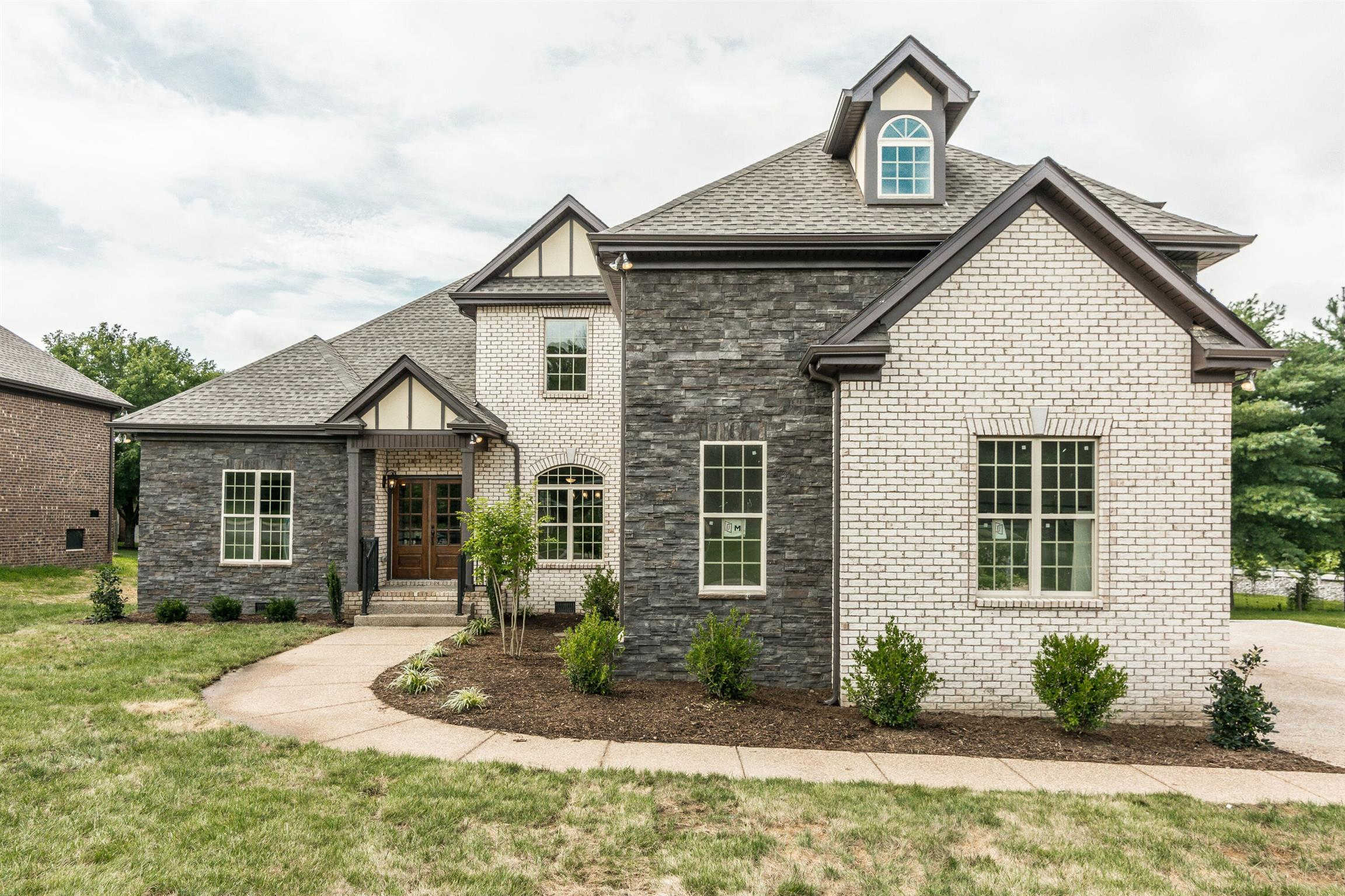 2006 Eagle View Rd, Hendersonville, TN 37075 is now new to the market!