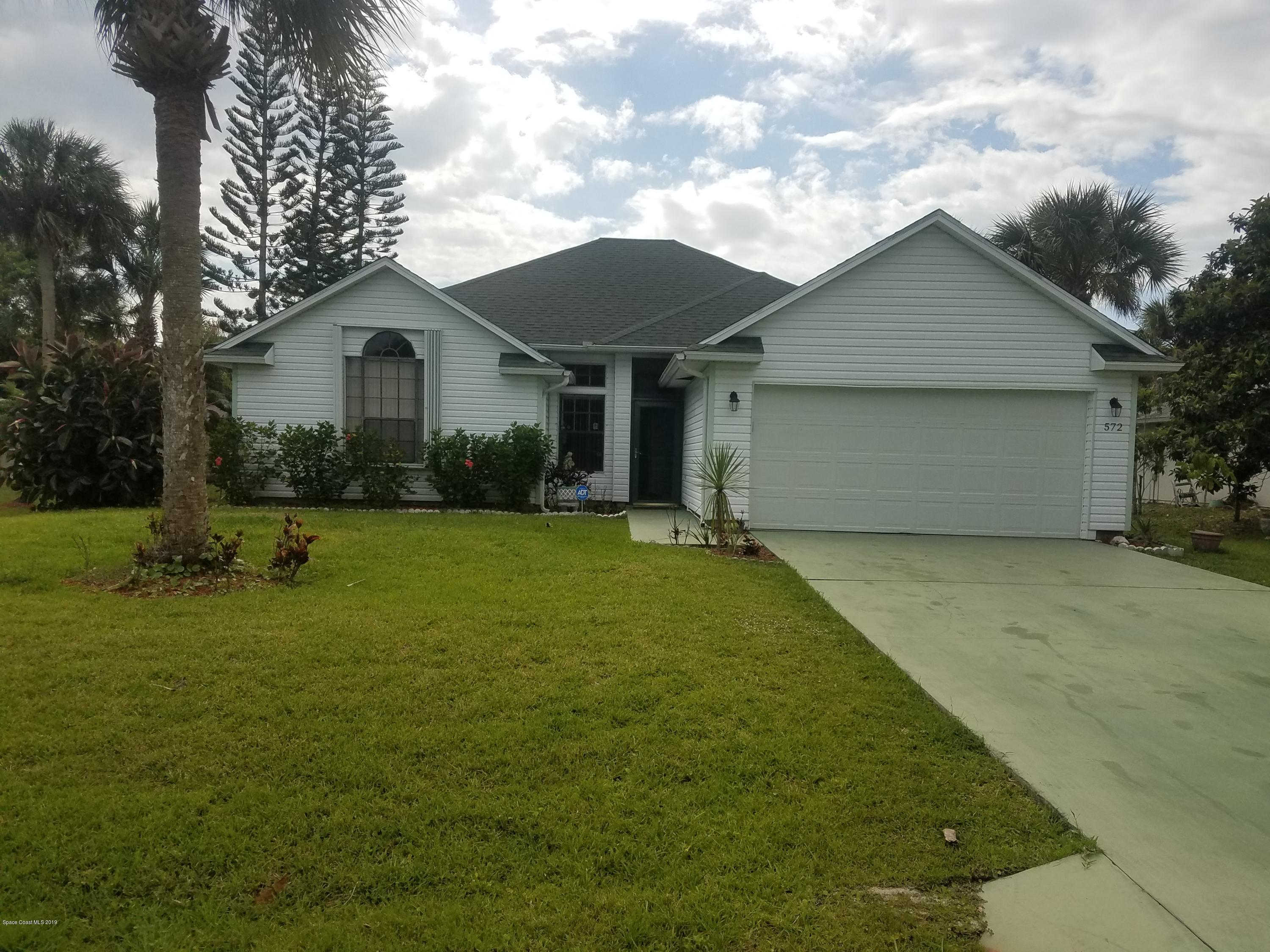 572 Gerald Street, Sebastian, FL 32958 is now new to the market!