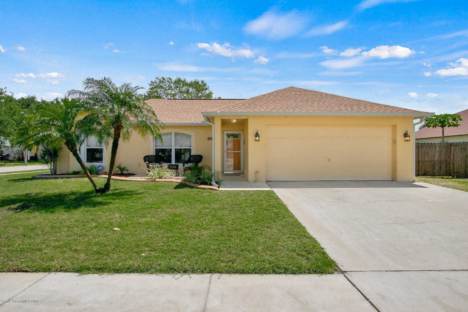 2423 Mountain View Avenue, Melbourne, FL 32935 is now new to the market!