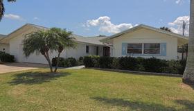 333 W Osceola Lane, Cocoa Beach, FL 32931