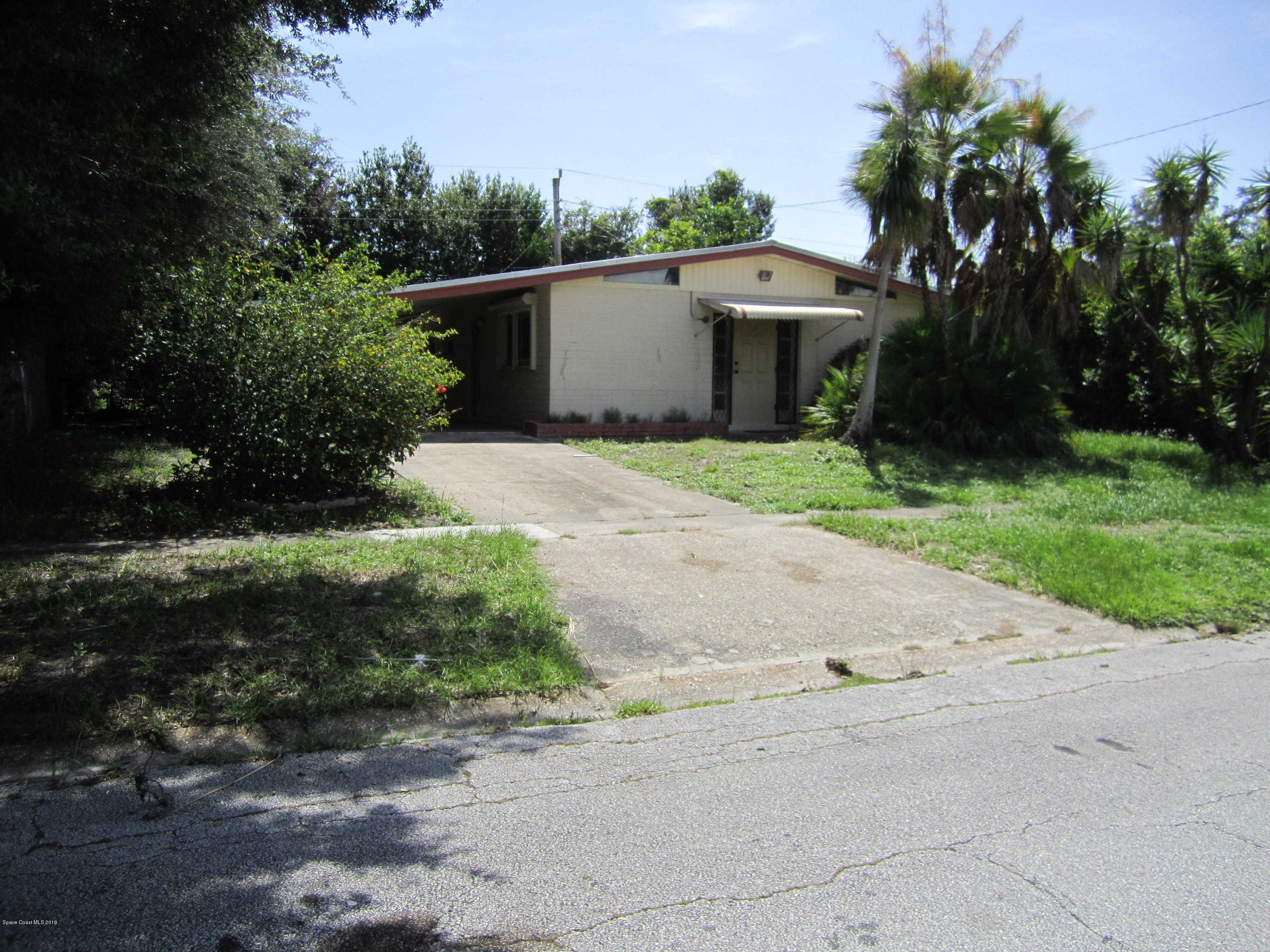 777 Cronin Avenue, Melbourne, FL 32935 is now new to the market!