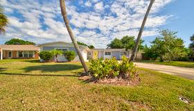 12 Riverview Lane, Cocoa Beach, FL 32931