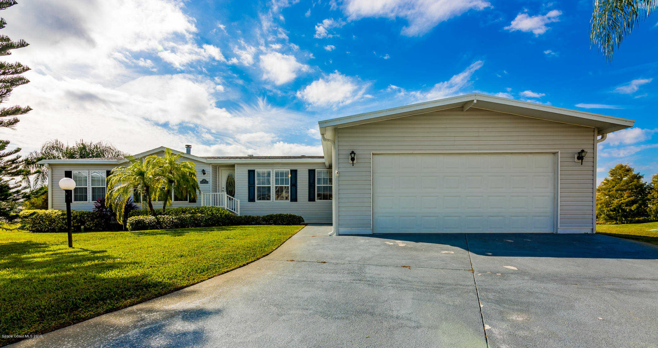 367 Horseshoe Bend Circle #157, Cocoa, FL 32926 is now new to the market!