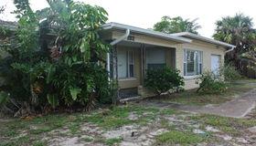 132 E Exeter Street, Satellite Beach, FL 32937