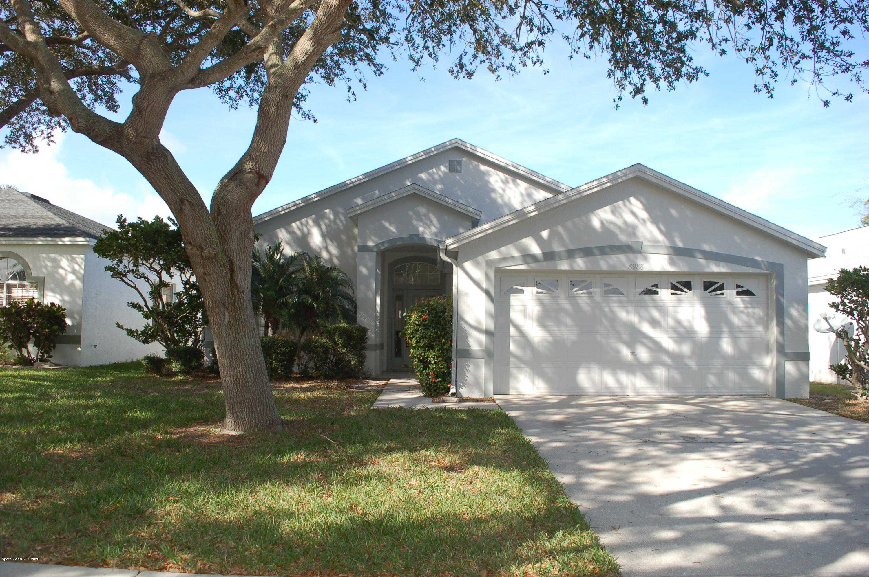 6988 Hammock Trace Drive, Melbourne, FL 32940 is now new to the market!