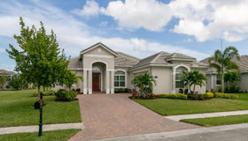 8250 Heather Court, Vero Beach, FL 32967