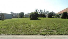 14 Cove View Court, Cocoa Beach, FL 32931