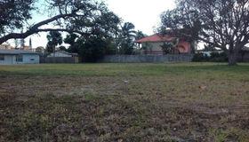 203 Arthur Avenue, Cocoa Beach, FL 32931