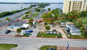 500 W Merritt Island Causeway, Merritt Island, FL 32952