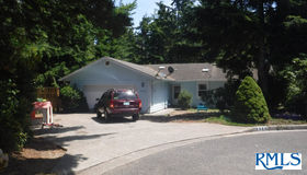 2180 15th Pl, Florence, OR 97439