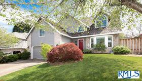 4465 nw Kahneeta Dr, Portland, OR 97229
