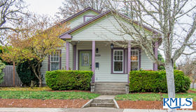 546 7th St, Springfield, OR 97477