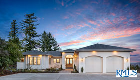 1415 Skyland Dr, Lake Oswego, OR 97034
