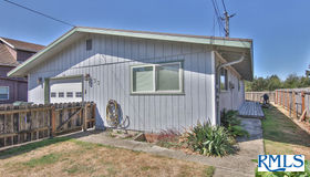 433 7th Ave, Coos Bay, OR 97420