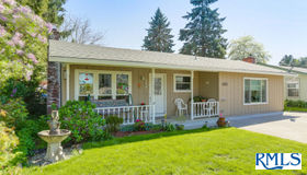 2608 Se Laurel St, Milwaukie, OR 97267
