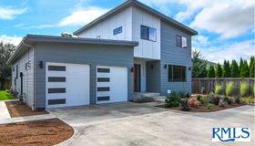 89338 Old Coburg Rd, Eugene, OR 97408
