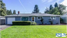 2082 Carmel Ave, Eugene, OR 97401