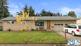 1647 Se 151st Ave, Portland, OR 97233