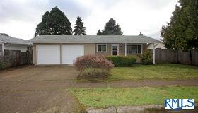 3988 Robin Ave, Eugene, OR 97402