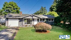 2234 Se 117th Ave, Portland, OR 97216