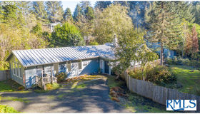 89946 Tunnel Point Ln, Coos Bay, OR 97420