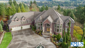 16505 S Timber Ridge Dr, Oregon City, OR 97045