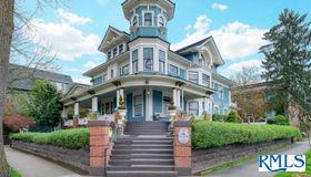 1503 NE Schuyler St, Portland, OR 97212