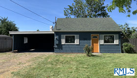 2440 J St, Springfield, OR 97477