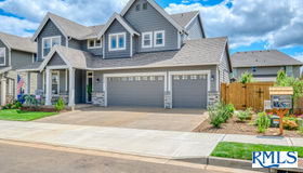 12734 Jessie Ave, Oregon City, OR 97045
