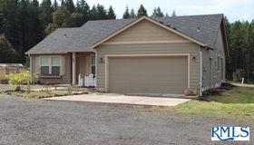 82204 Bear Creek Rd, Creswell, OR 97426