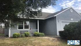 51812 Se 7th St, Scappoose, OR 97056