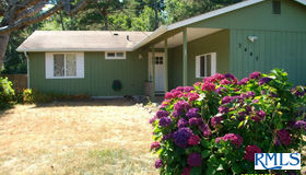 3445 Lilac St, Florence, OR 97439