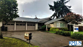2544 Rose Blossom Dr, Springfield, OR 97477
