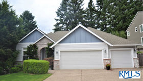 15106 Oyer Dr, Oregon City, OR 97045