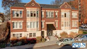 1529 Se Hawthorne Blvd #103, Portland, OR 97214