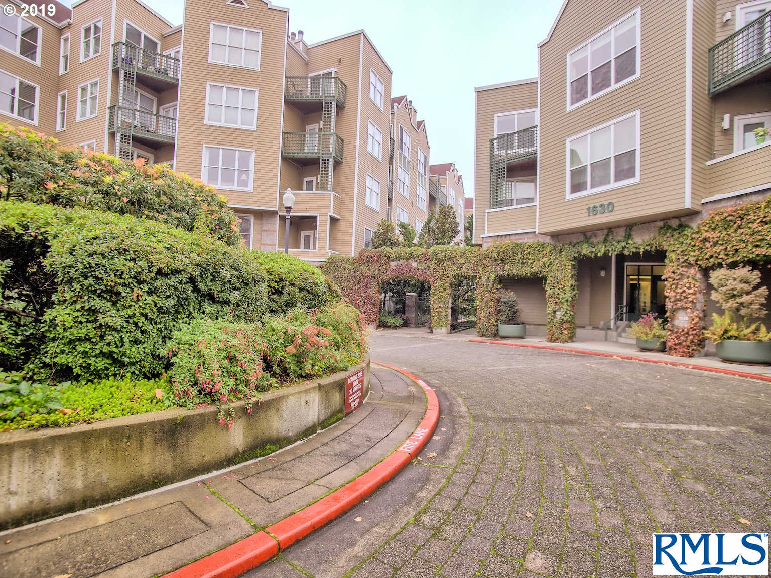 1616 SW Harbor Way #303, Portland, OR 97201 is now new to the market!