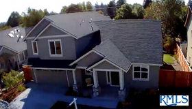 2378 Sandy Dr, Eugene, OR 97401